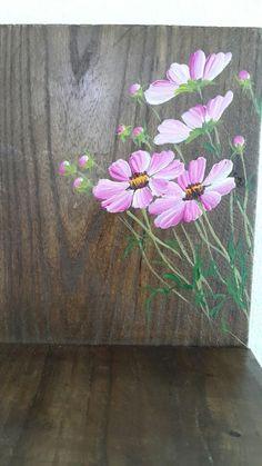 어릴적부터 좋아했던 코스모스 바보처럼 한번좋아하면 끝까지 좋아하는미련함 그런 코스모스 내마음... Pallet Painting, Pallet Art, Tole Painting, Ceramic Painting, Fabric Painting, Painting On Wood, Garden Mural, Garden Art, Acrylic Painting Flowers