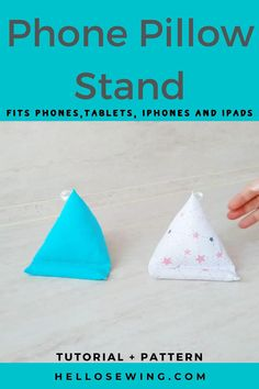 Small Sewing Projects, Sewing Projects For Beginners, Christmas Sewing Projects, Scrap Fabric Projects, Diy Cell Phone Stand, Cell Phone Holder, Diy Ipad Stand, Bean Bag Pattern, Homemade Fathers Day Gifts