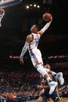 Russell Westbrook Oklahoma City Thunder Basketball, Houston Basketball, Basketball Skills, Sports Basketball, College Basketball, Basketball Players, Russell Westbrook Dunk, Westbrook Okc, Thunder Players
