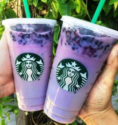 Keto - Made with Very Berry Hibiscus Starbucks Refreshers and creamy coconut milk blended with ice. Sweet blackberries and tart hibiscus makes it violet color and also it's totally Instagram worthy!