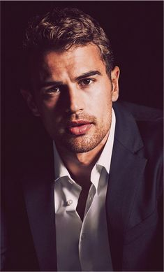 """Hugo Boss Interview: Theo James is """"The Mystery Man""""You can find Theo james and more on our website.Hugo Boss Interview: Theo James is """"The Mystery Man"""" Tris E Quatro, Tris Und Four, Hot Men, Sanditon 2019, Theodore James, Boss T Shirt, The Jacksons, Attractive Men, Cute Guys"""