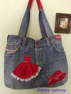 Finding a Free Purse Pattern You Can Sew – Bags & Purses Sacs Tote Bags, Denim Tote Bags, Denim Purse, Blue Jean Purses, Diy Sac, Denim Handbags, Denim Ideas, Denim Crafts, Old Jeans