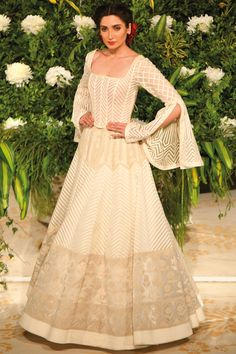 Buy Bell Sleeve Corset Blouse by Rohit Bal at Aza Fashions - Christmas-Desserts Rohit Bal, Lehenga Skirt, Lehenga Blouse, Wedding Lehenga Online, Corset Blouse, Desi Wedding Dresses, Ethnic Wear Designer, Lakme Fashion Week, Indian Outfits