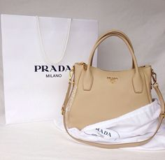 Chic - latest designer trends, high fashion accessories on We Heart It Prada Outlet, Prada Tote Bag, Latest Design Trends, Prada Handbags, Online Bags, Purses And Bags, Fashion Accessories, My Style, Totes