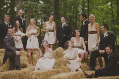 casual bridal party | perfect casual wedding party shot w/haybails | loveyy
