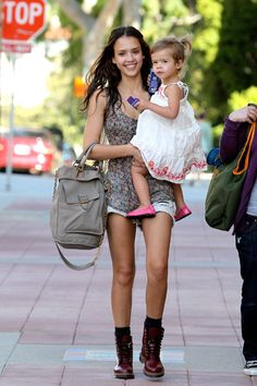 Jessica Alba media gallery on Coolspotters. See photos, videos, and links of Jessica Alba. Dr. Martens, Dr Martens Outfit, Jessica Alba Style, Celebrity Style, Womens Fashion, Fashion Trends, Loafer, Cute Outfits, Birkenstock