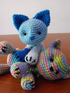 Gatitos Multicolor ~ free pattern, by Irene Kiss