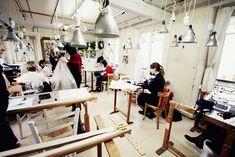 l'atelier de la Maison Lesage Broderie | Regardez cet atelier Lesage miniature, trop mignon ! Look at this cute ...
