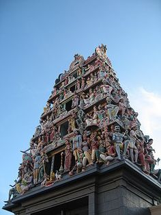 Sri Mariamman Temple - Singapore's oldest Hindu temple (244 South Bridge Road, Chinatown)