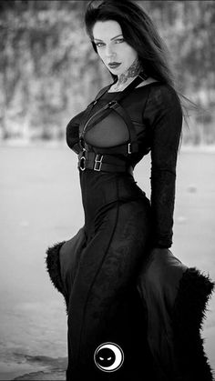 Solid Advice About Gothic Jewelry. Gothic Jewelry has always been an important part of cultural expression. Dark Beauty, Goth Beauty, Steampunk Fashion, Gothic Fashion, Style Fashion, Steam Punk, Burlesque Vintage, Goth Chic, Goth Subculture