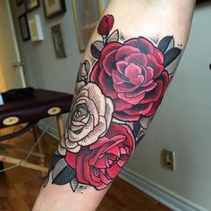 What Are Neo Traditional Tattoos? 45 Stunning Neo Traditional Tattoo Ideas For You To Get What Are Neo Traditional Tattoos? 45 Stunning Neo Traditional Tattoo Ideas For You To Get Arm Tattoo, Rose Tattoo On Arm, Body Art Tattoos, Sleeve Tattoos, Leg Tattoos, Neo Traditional Roses, Traditional Tattoo Flowers, Traditional Tattoo Design, Traditional Tattoos