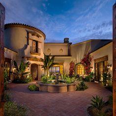 Mediterranean entry courtyard - Beringer Fine Homes