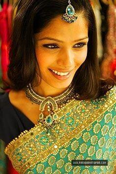Freida Pinto Saree | ... voir la belle Freida Pinto, l'actrice de Slumdog Millionaire en sari