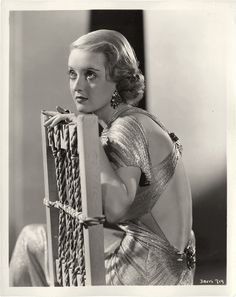 Bette Davis, Bordertown, 1935 (gowns by Orry-Kelly) Golden Age Of Hollywood, Vintage Hollywood, Hollywood Stars, Classic Hollywood, Hollywood Glamour, Hollywood Fashion, Divas, Classic Movie Stars, Classic Movies