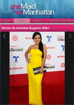 Anna Sobero on the rep carpet of the Latin Billboards with a Candy Woolley clutch bag