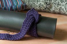 yoga mat strap / mat sling / vegan apparel / by KittyDune on Etsy