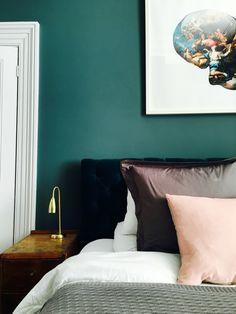 Farrow & ball inchyra blue with wevet woodwork Blue Bedroom Furniture, Oval Room Blue, Blue Bedroom Decor, Bedroom Green, Bedroom Inspirations, Blue Green Bedrooms, Farrow Ball, Dark Blue Bedrooms, Blue Bedroom Design