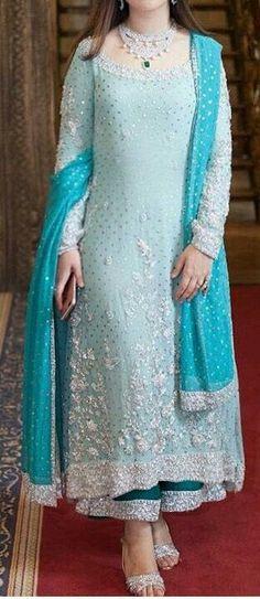 Ideas For Bridal Party Shirts Blue Brides Indian Bridesmaid Dresses, Party Wear Indian Dresses, Indian Bridal Outfits, Indian Designer Outfits, Pakistani Dresses, Designer Dresses, Pakistani Bridal, Stylish Dress Designs, Stylish Dresses