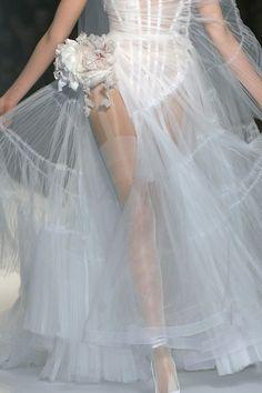 girlannachronism: Jean Paul Gaultier primavera 2009 detalles de alta costura