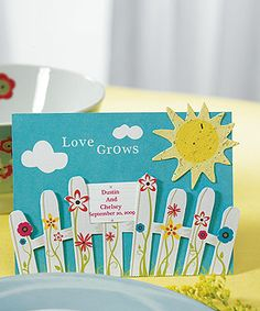 'Love Grows' Picket Fence with Seeded Paper Sun