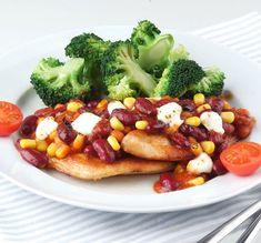 Recept Csirke Mexicana babkeverékkel és párolt brokkolival | Bonduelle Feta, Chili, Vegetables, Chile, Vegetable Recipes, Chilis, Veggies
