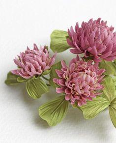 BLOOMING PASSION - Svetlana Faulkner's passion is handmade flowers.
