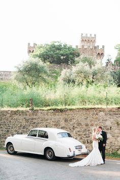 Even pulling up at the roadside in Tuscany can guarantee you a magical view. Wedding Car, Wedding Goals, Destination Wedding, Wedding Planning, Dream Wedding, Wedding Dresses, Wedding Planner Italy, Italy Wedding, Wedding Pictures