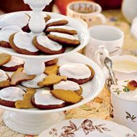 Molasses cookies with lemon frosting