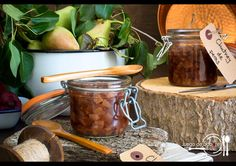 Pear chutney is perfect as an appetiser or side dish. (in Spanish) Chutney, Moscow Mule Mugs, Relleno, Pear, Side Dishes, Appetizers, Tableware, Spanish, Blog