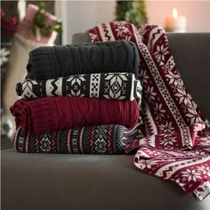 Organic Cotton Cable Knit Throw (491576634), Throw Blankets