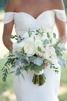White Ranunculus and Eucalyptus Bouquet | Dragonfly Events | Bellafare | Iris Photography