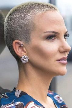 Modern Buzz-Cut - 20 Bold and Daring Takes on the Shaved Pixie Cut - The Trending Hairstyle Really Short Hair, Short Grey Hair, Short Hair Cuts, Gray Hair, Short Blonde, Shaved Pixie Cut, Shaved Hair, Very Short Haircuts, Short Hairstyles For Women