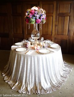 5 hot wedding flower trends for 2015 © Sabine Darrall Add some glamour to your tables with mercury glass and gold accessories. Choose a mix of votives for an eclectic look