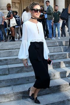 Olivia Palermo arrives at the Barbara Bui show as part of the Paris Fashion Week Womenswear Spring/Summer 2017 on September 29 2016 in Paris France Más Estilo Olivia Palermo, Olivia Palermo Lookbook, Olivia Palermo Style, Fashion Mode, New York Fashion, Love Fashion, Fashion Looks, Paris Fashion, Style Fashion