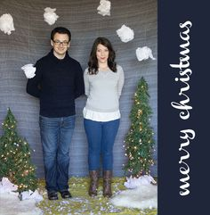 DIY Holiday Photobooth {step-by-step tutorial} from @Chelsea Costa at Lovely Indeed