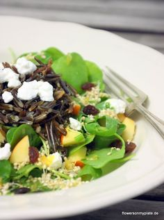 Fruchtiger Wildreissalat mit Quinoasprossen