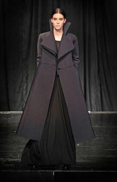 very smart coat by Slovak fashion designer Maja Božovič (photo by Tibor Gécy) Smart Coat, Fashion Show, Diamonds, Victorian, Blog, Beautiful, Dresses, Vestidos, Blogging
