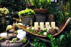 ilyet is lehet Candle Arrangements, Christmas Floral Arrangements, Christmas Greenery, Christmas Table Decorations, Christmas Candles, Christmas Goodies, Christmas Wreaths, Christmas Crafts, Flower Decorations