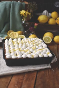 zitronen-mohn-kuchen-mit-quark-creme-8