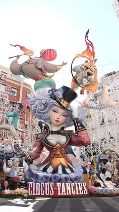Artists share with us the process of using ZBrush and CNC foam to create larger-than-life monuments for the annual Fallas Festival. Brazil Carnival, Rock Climbing Gear, Fantasy Places, Fantasy Costumes, Magical Creatures, Art Festival, Sculpture, Pet Toys, Caricature