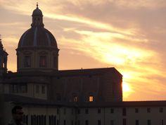 Tramonto sulla chiesa del Cestello. Sunset on the Cestello church, along the Arno river