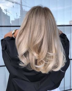 Amazing Blond Balayage Hair Colors For Long Hair In 2019 - Page 16 of 16 - Dazhimen Blonde Balayage Highlights, Babylights Hair, Hair Color Balayage, Baylage Blonde, Blonde Color, Blonde Hair Inspiration, Hair Inspo, Curly Hair Styles, Honey Blonde Hair