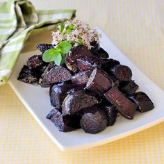 These roasted beets are at their very best when combined with honey and balsamic vinegar then slowly oven roasted to make a truly delicious side dish.
