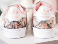 Adidas original superstar rose imprimé fleur