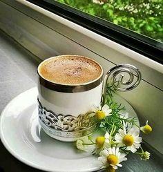 karma Coffee Is Life, I Love Coffee, My Coffee, Good Morning Coffee, Coffee Break, Turkish Coffee Cups, Coffee Pictures, Brown Coffee, Tea And Books