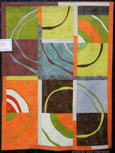 Ripple Effect II, 50 x by Marianne Haak (St. Photo by Quilt Inspiration. Link to tutorials. Modern Quilting Designs, Modern Quilt Patterns, Patchwork Patterns, Circle Quilts, Mini Quilts, Quilt Modernen, Art Textile, Contemporary Quilts, Fabric Art