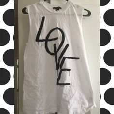 📌🔴 Forever 21 LOVE top Barely worn. Forever 21 Tops