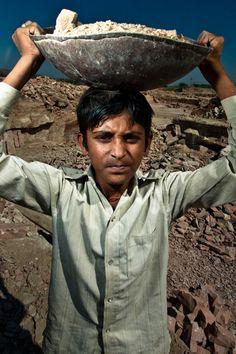 60 millions d'enfants au travail en Inde | photographe reporter : Serge Bouvet