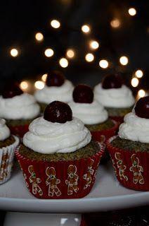 A meggyes mákos kevert sütemény muffin változata. Hozzávalók 12 darabhoz 2 tojás 15 dkg cukor 1 citrom reszelt héja fél d... Sour Cherry, Cukor, Cake Recipes, Muffins, Lemon, Cupcakes, Poppy, Food, Cupcake
