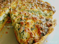 Spinach Feta Quiche, Spinach Tart, Tart Recipes, Greek Recipes, Cooking Recipes, Dutch Oven Bread, Savory Tart, Kitchen Stories, Food And Drink